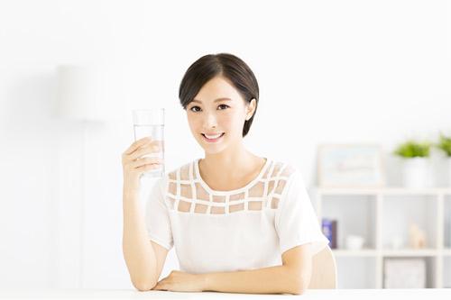 Xu hướng dùng nước ion kiềm giàu Hydro của người Nhật