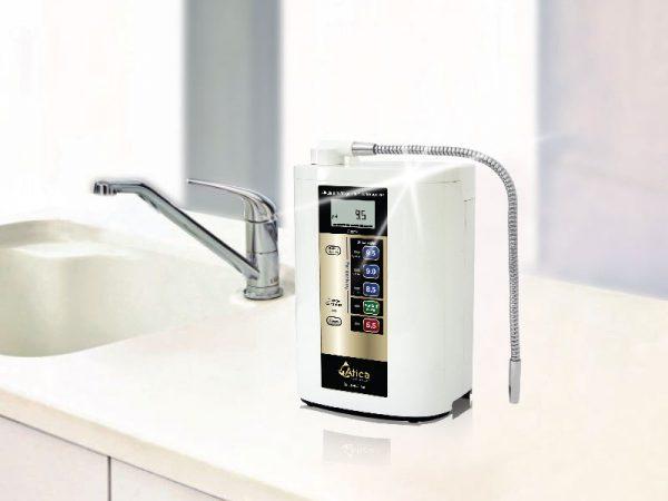 Có nên mua máy tạo nước ion kiềm giàu hydro hay không?
