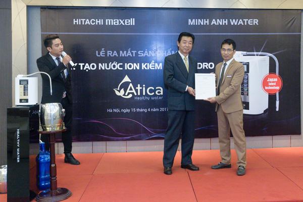 Hitachi Maxell trao chứng nhận phân phối độc quyền cho Minh Anh water tại Việt Nam