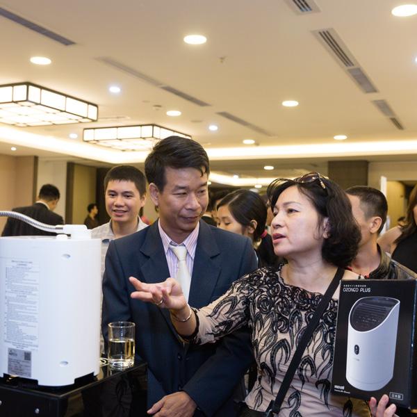 Đại diện Hitachi Maxell tại Việt Nam(VP tại HCM) và khách hàng