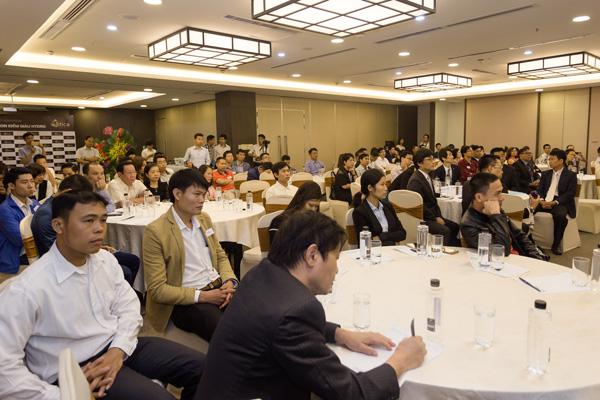 Các khách hàng tham dự buổi ra mắt Atica tại Hà Nội