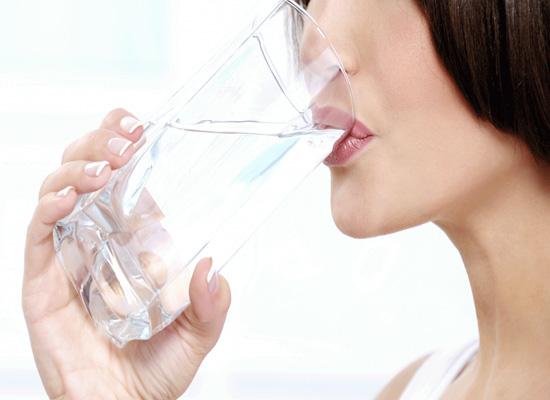 Uống nước ion kiềm giàu hydro rất tốt cho sức khỏe