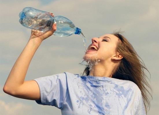 Nước kiềm không có tác động tiêu cực lên sức khỏe con người và có nhiều lợi ích.