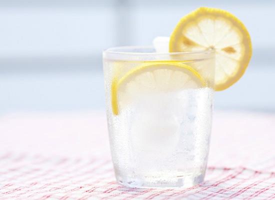 Nước chanh vừa giúp tim mạnh khỏe và hoạt động hiệu quả