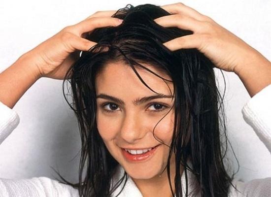 Nước có tính axit là một lựa chọn hoàn hảo cho tóc