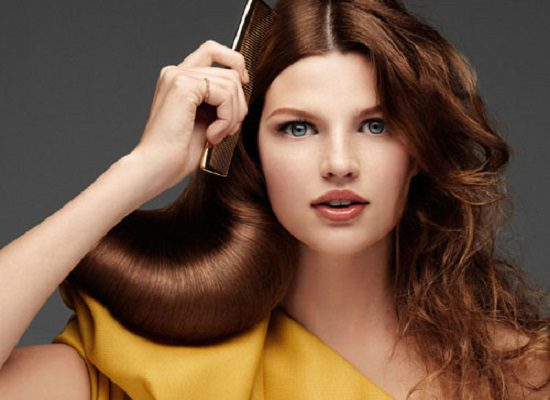 Nước ion tác động thế nào lên tóc và da?
