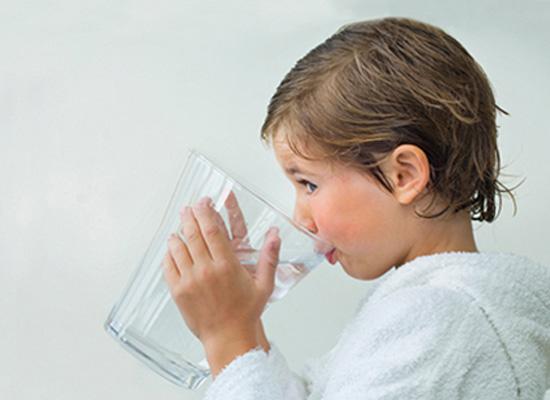 Thế nào là uống nước theo cân nặng cơ thể?