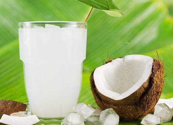 Nước dừa giúp bổ sung lượng natri tự nhiên cho cơ thể