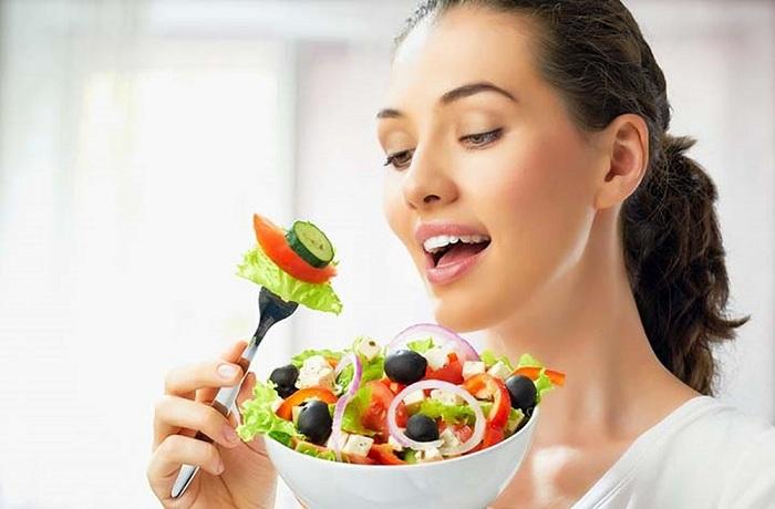Ăn nhiều rau quả để thanh lọc cơ thể