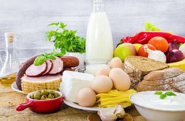 Chế độ ăn uống không cân đối