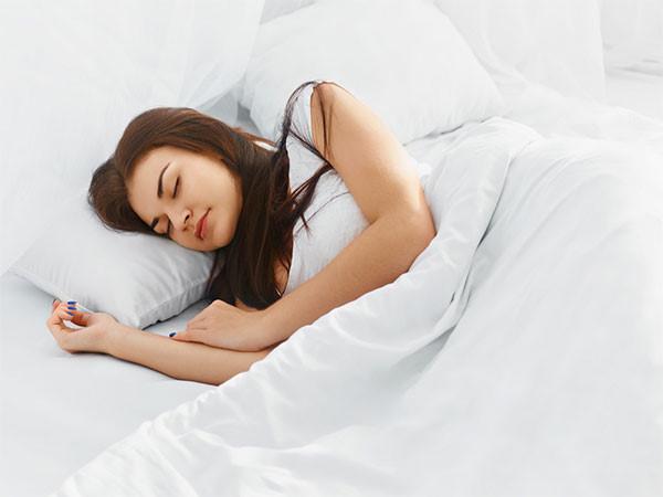 Thả lỏng cơ thể giúp bạn ngủ ngon hơn