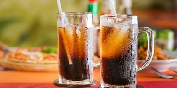 Không nên ăn sầu riêng kết hợp với uống coca