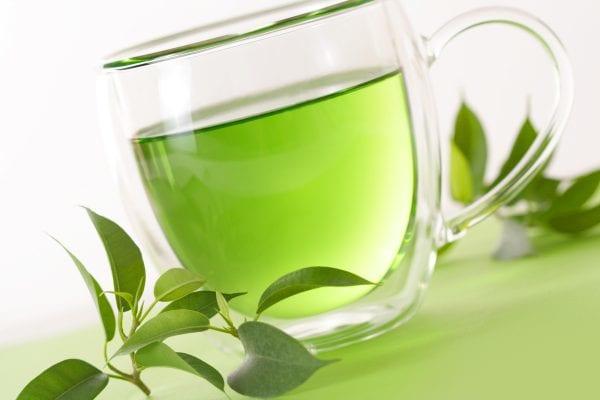 Các dưỡng chất trong trà xanh ngăn chặn quá trình phát triển của các tế bào ung thư
